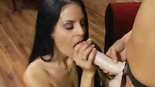 Fantastic Babes Enjoy Each Other's Pussy!