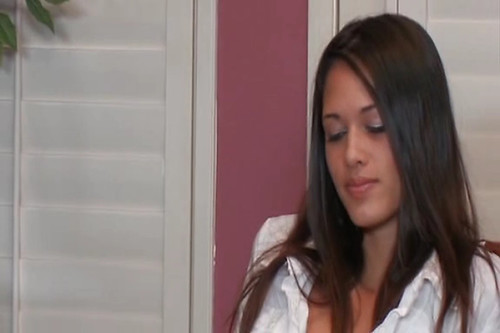 Tiffany Thompson Squirming On Her Chair
