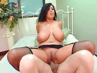 Busty mature with a fat ass yearned for sex.