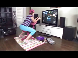 Lizzie tucker fucked while playing console game