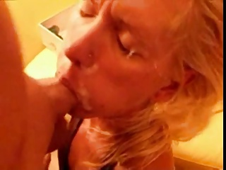 submissive girlfriend gets used on homevideo