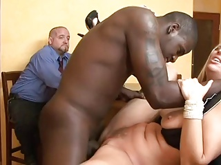Wife Gets Fucked By Guy In Front Of Her Hubby