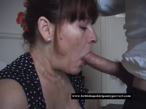 British mature amateur housewife takes he ...