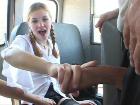 In The Schoolbus-2 cute schoolgirl blow a ...