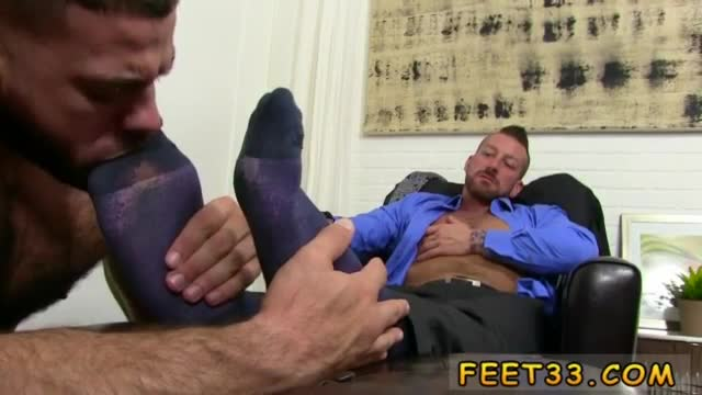 Young-fetish-boy-feet-movietures-gay-first-time-Hugh-Hunter-Wors