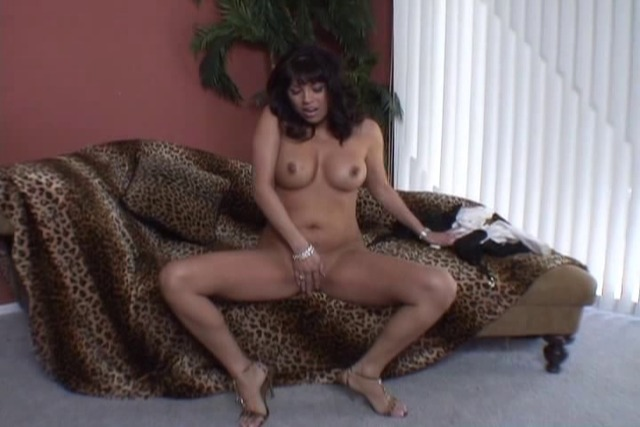 Brunette-finger-fucks-her-pussy-in-front-of-the-camera