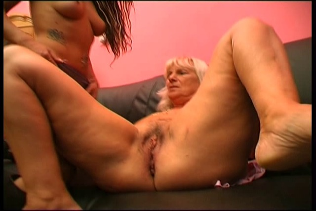 Grandma-seduces-tattooed-sexy-lesbian-punk