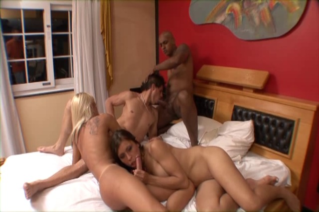 Randy-bisexual-studs-fucking-ass-and-tranny-n-slut-in-foursome-t