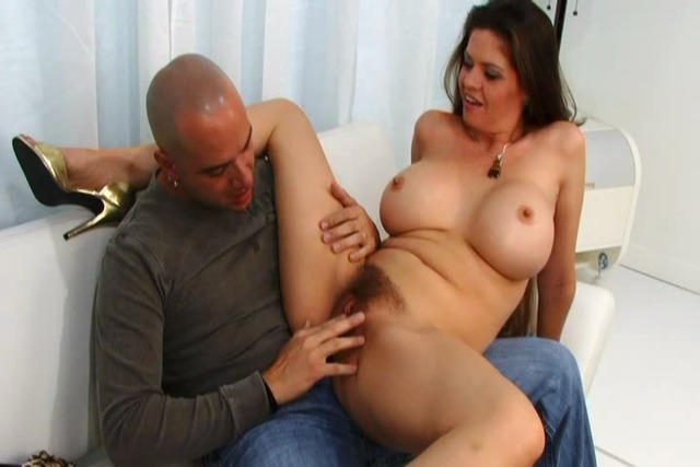 MILF-begs-to-be-fucked-after-get-her-pussy-licked