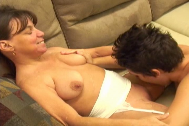 Dyke-commands-midget-to-eat-her-pussy-while-she-lays-back-on-cou