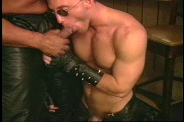 Sexy-gay-men-giving-head-jobs&amp-amp-have-oral-fun-in-bar-grou