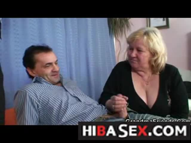 Husband-sharing-his-old-wife-with-his-psychologist