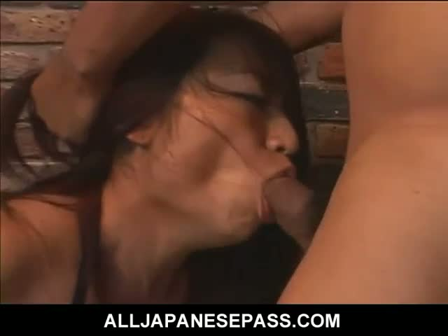 Mature-cougar-has-her-face-skull-fucked