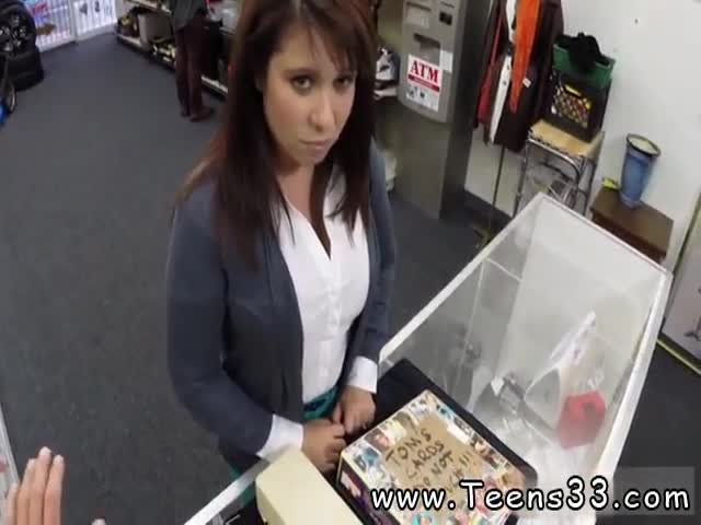 Premature-amateur-MILF-sells-her-husband&-039-s-stuff-for-bail-