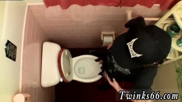 Gay-male-sex-sites-Unloading-In-The-Toilet-Bowl