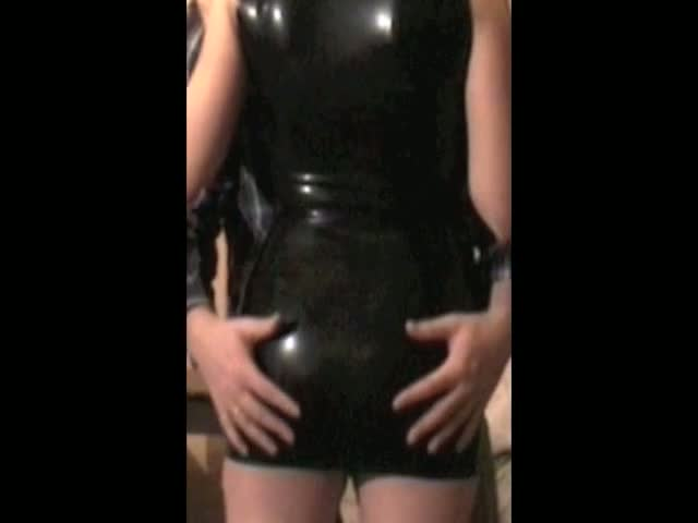 Mrs-B-Black-Latex-1