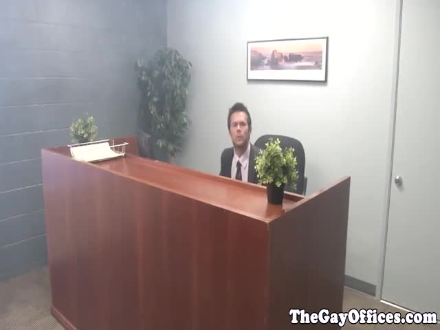 Gayoffice-receptionist-fucked-by-hunky-mechanic