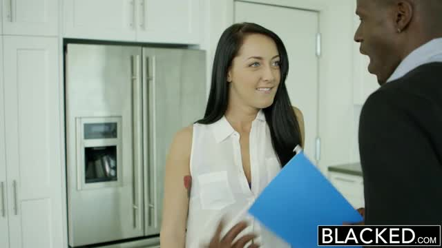 BLACKED-Husband-Does-Not-Know-Wife-Sabrina-Banks-Loves-BBC
