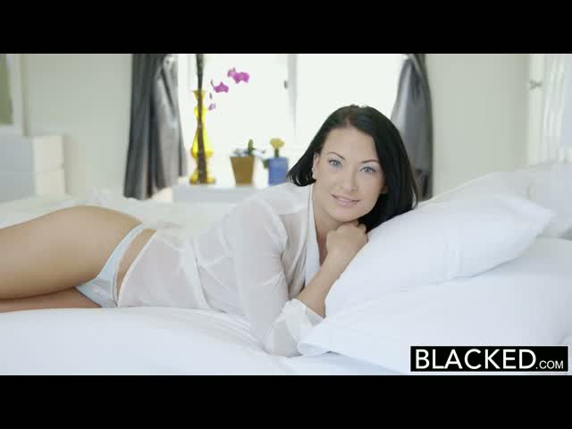 BLACKED-Teen-Beauty-Kelly-Diamond-Tries-Interracial-Anal-Sex