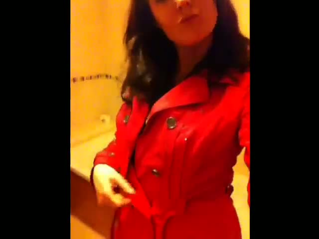 british-girlfriend-teasing-in-bathroom