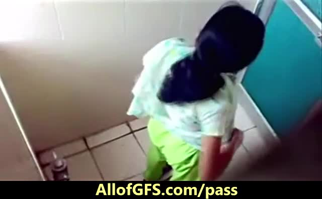 Hidden-Camera-In-Indian-Girls-Toilet-Room