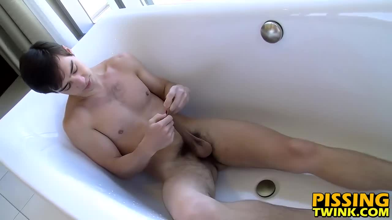 Zack-blast-face-with-own-piss-and-cum-on-the-bath-tub