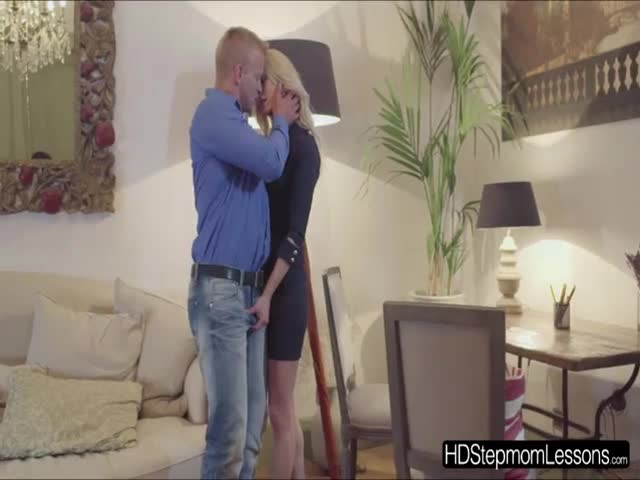 How-stepmom-Uma-teaches-the-two-lover-to-have-a-perfect-threesom
