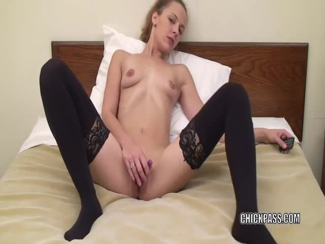 Cute-MILF-Penelope-Sky-in-stockings-and-masturbating