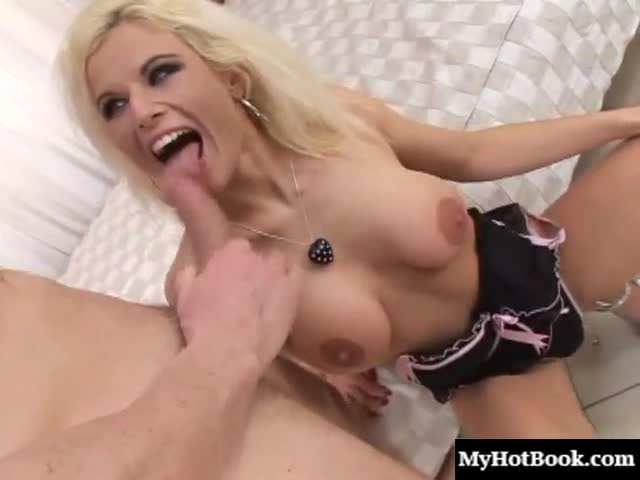 Victoria-Rush-is-a-beautiful-blonde-haired-MILF,-who-will-pull-o