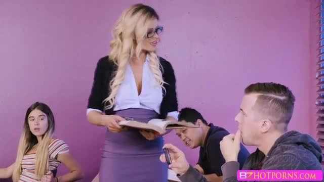 Jessy bangs her professor Jessa Rhodes tight pussy from behind