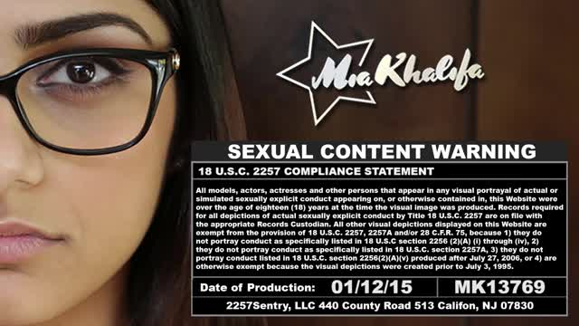 Mia-Khalifas-Big-Black-Cock-Threesome-mk13769