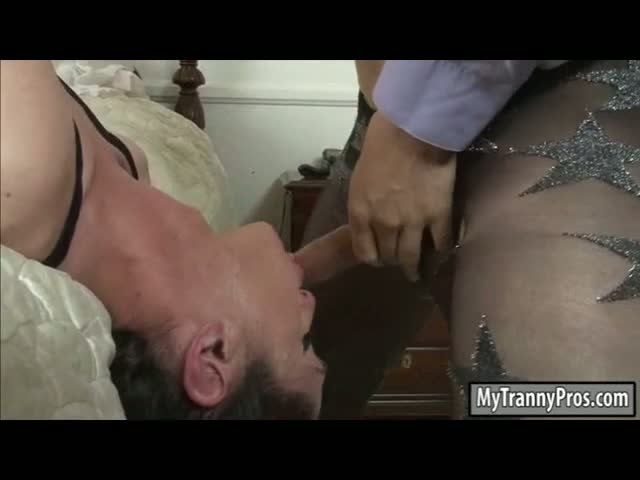 Flat-chested-tranny-Penny-Tyler-sucks-off-and-asshole-fucked