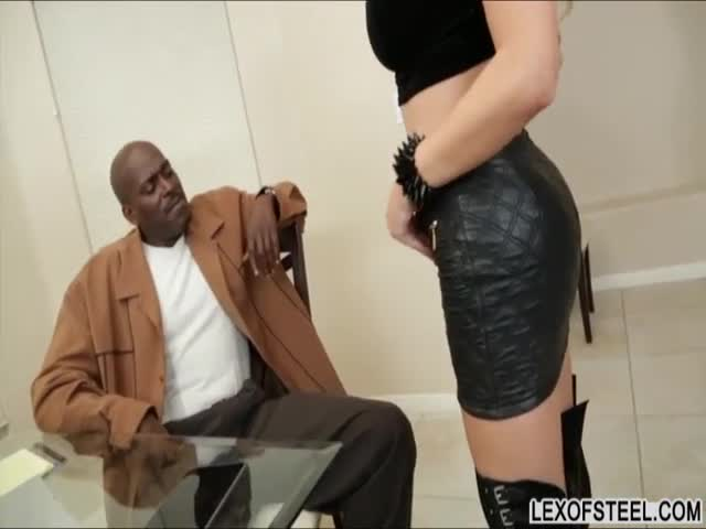 Huge-boobs-Alexis-Ford-screams-it-out-loud-while-fucked