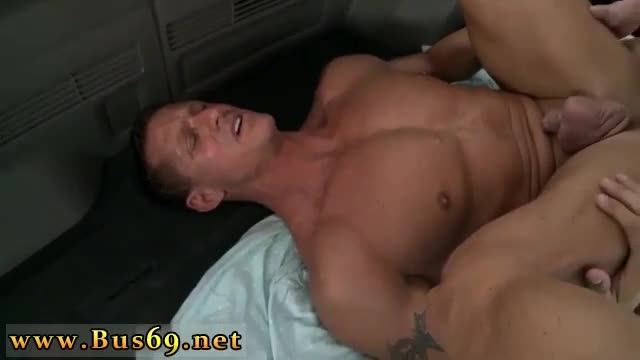 Gay-sex-muscle-video-porno-The-Legendary-Bait-Bus