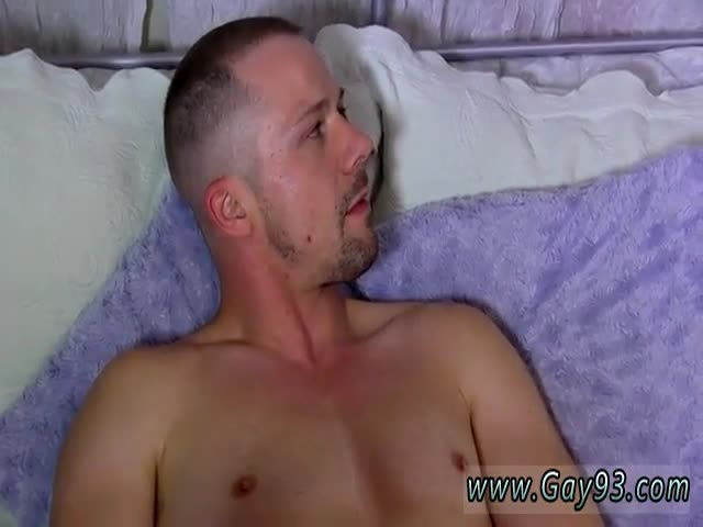 Gay-emo-sucks-big-dick-first-time-He&-039-s-hard-and-draining-of