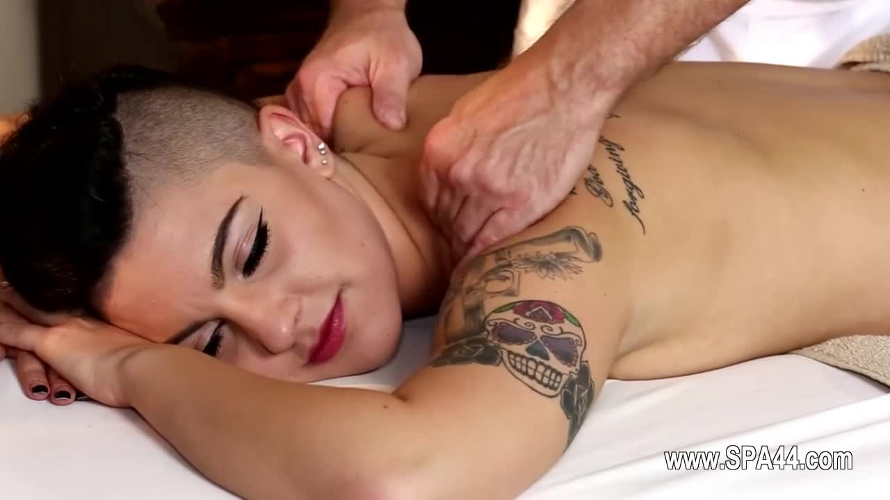 Very-tricky-spa-of-gentle-masseur-