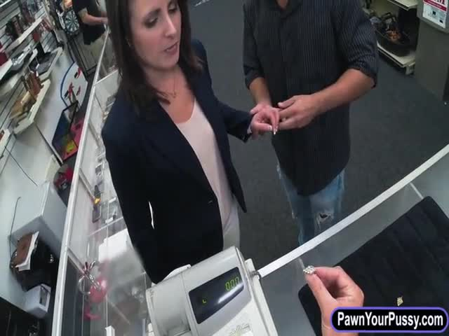 Customers-wife-fucked-at-the-pawnshop