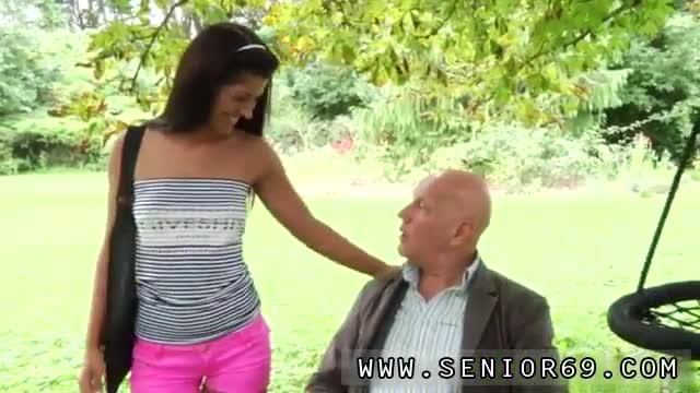 Old-eating-young-pussy-first-time-Vivien-meets-Hugo-in-the-park-