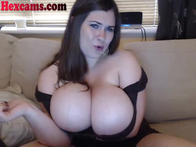 Massive-Natural-Tits-On-This-Webcam-Girl
