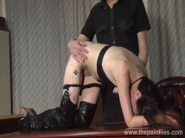 Amateur-bdsm-and-bedroom-spanking