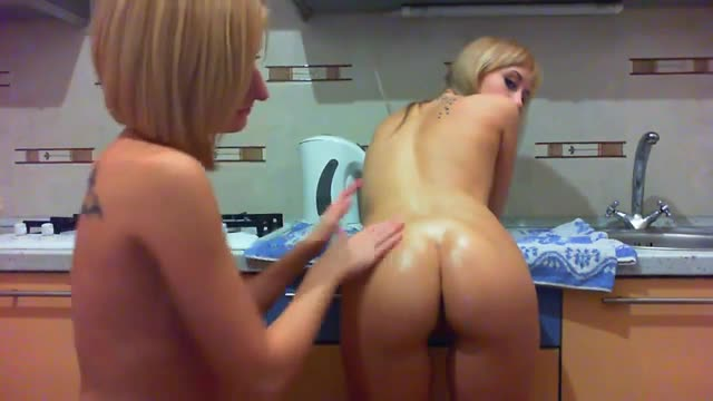 2-Girls-Anal-Fisting-in-the-Kitchen