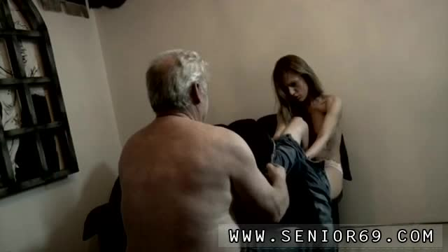 Amateur-blowjob-huge-But-Bruce-has-a-way-of-treating-angry-women