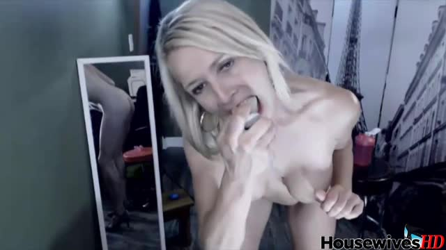 Tiny-ball-drainer-mom-Lexymae-squirting-her-tight-pussy