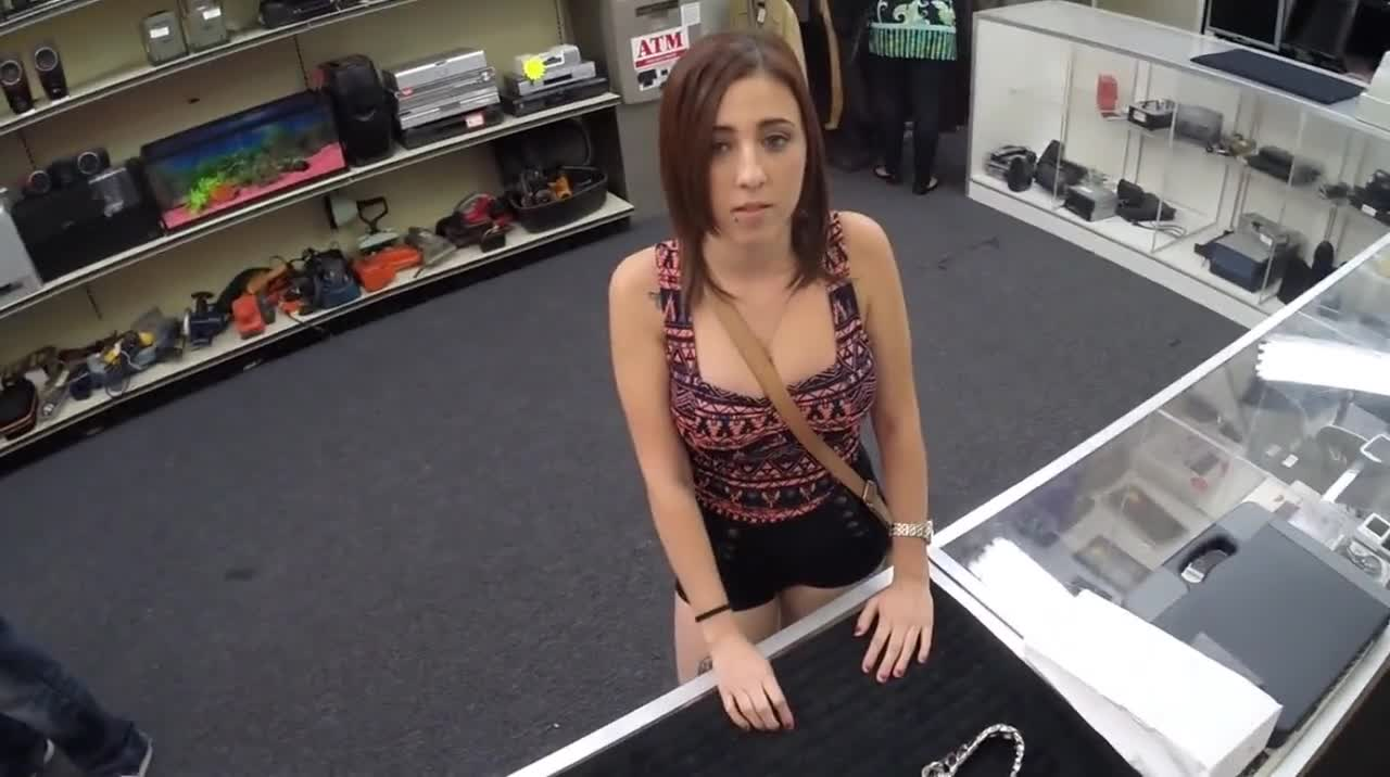 Amateur-cheerleader-showing-super-fucking-action-