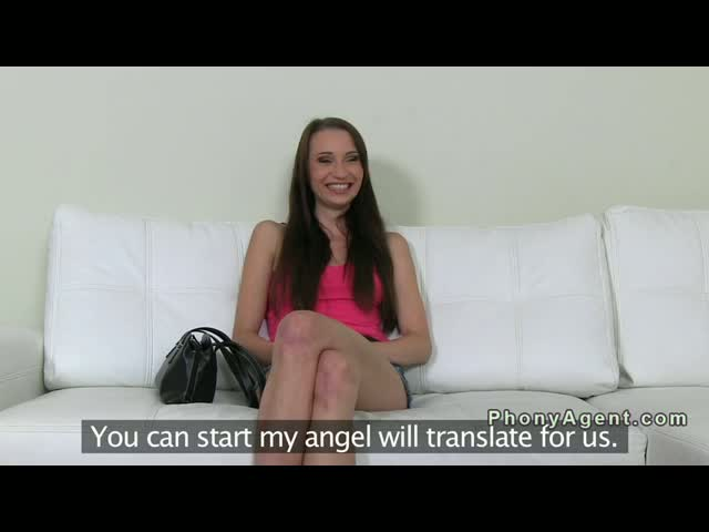 Czech-amateur-squirting-on-casting-with-fake-agent