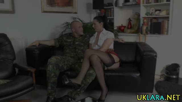 Highheeled-older-brit-cum