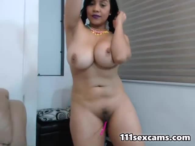 Chubby latina amateur camgirl showing big boobs on webcam