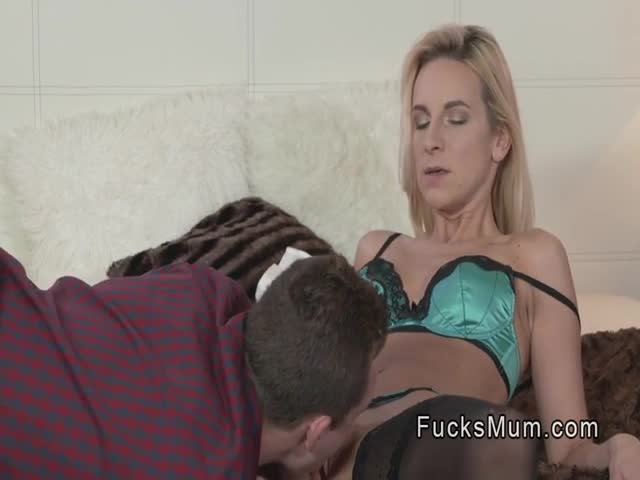 Best-friends-blonde-mom-knows-to-fuck