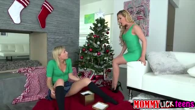 Naughty-girl-Zoey-gets-pussy-fingered-and-licked-by-mom-Cherie