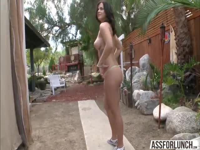 Mike-pussy-bangs-her-girlfriend-Keisha-in-doggystyle
